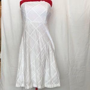 Woman's strapless dress